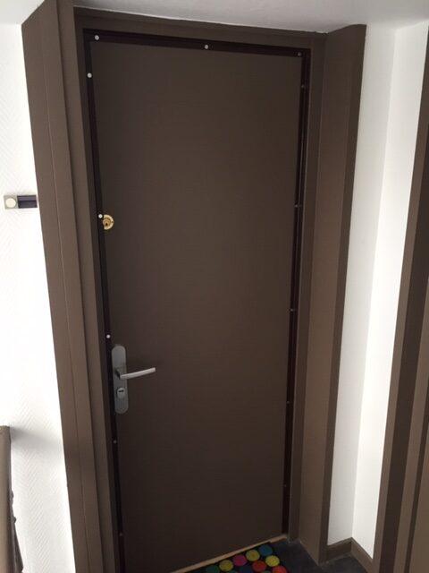 Porte sécurisée.